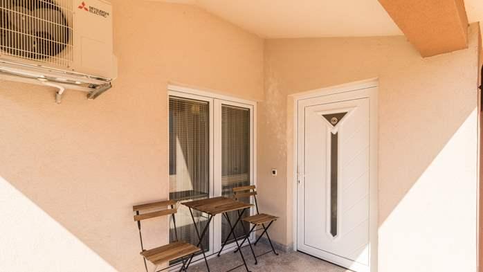 Beautiful villa with pool, playground, sauna and jacuzzi, 48