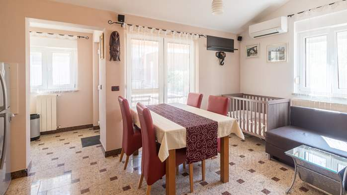 Beautiful villa with pool, playground, sauna and jacuzzi, 27