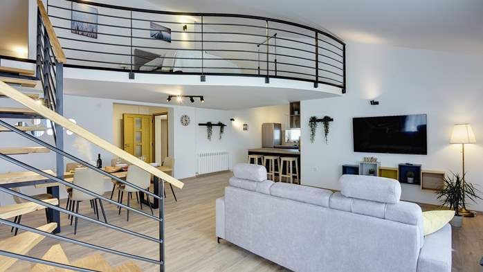 Spacious apartment for 6 people with gallery, 6