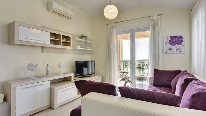 Air conditioned apartment for 4 people, wifi, 1