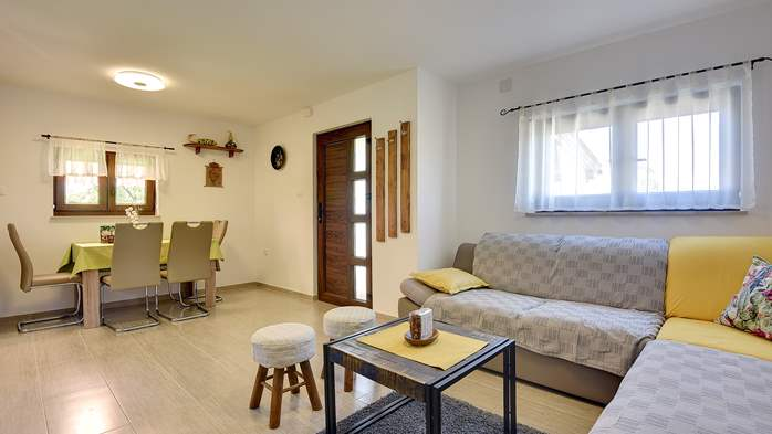 House in Pula with two bedrooms and a large garden, 11