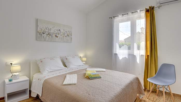 Spacious villa with three bedrooms and a private pool, 23