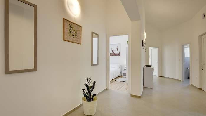 Spacious villa with three bedrooms and a private pool, 19