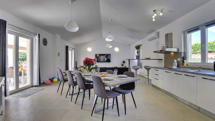 Spacious villa with three bedrooms and a private pool, 14