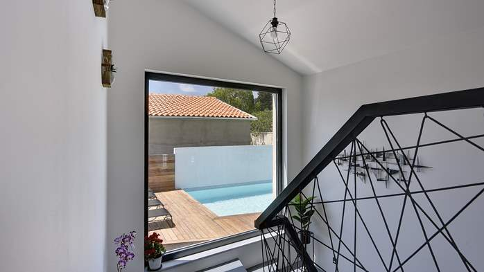 Beautifully decorated villa with private pool and large terrace, 21