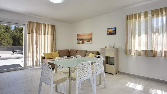 Modern house in Liznjan, with two bedrooms and a sun terrace, 13
