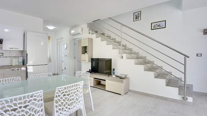 Modern house in Liznjan, with two bedrooms and a sun terrace, 17
