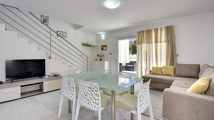 Modern house in Liznjan, with two bedrooms and a sun terrace, 15