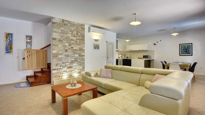House with private pool for 6 persons, barbecue, WiFi, 8
