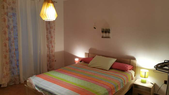 Newly renovated two bedroom apartment, WiFi, 6