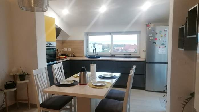 Newly renovated two bedroom apartment, WiFi, 1