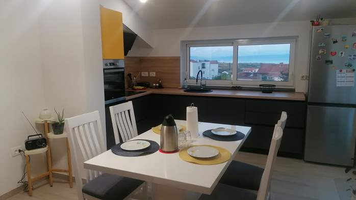 Newly renovated two bedroom apartment, WiFi, 2
