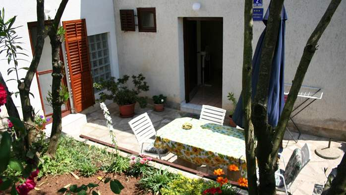 Studio apartment for 3 persons on two floors with private terrace, 2