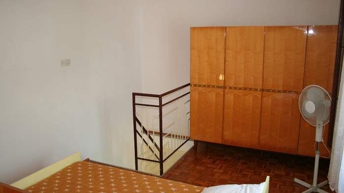 Studio apartment for 3 persons on two floors with private terrace, 5