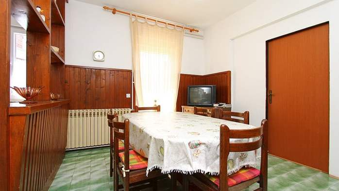 Apartment for 8-9 persons with pleasant ambience, private balcony, 5