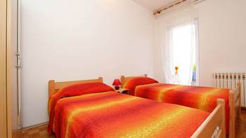 Apartment for 8-9 persons with pleasant ambience, private balcony, 10