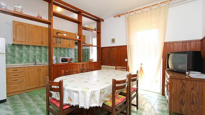 Apartment for 8-9 persons with pleasant ambience, private balcony, 6