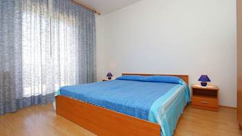 Apartment for 8-9 persons with pleasant ambience, private balcony, 12