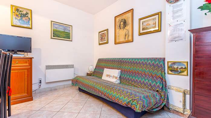 Charming apartment with terrace, only 350 m to the sea, 4
