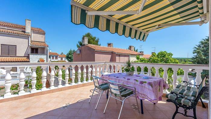 Charming apartment with private balcony and terrace, 3
