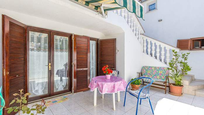 Charming apartment with private balcony and terrace, 4