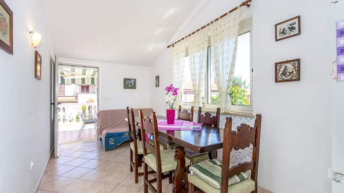 Charming apartment with private balcony and terrace, 9