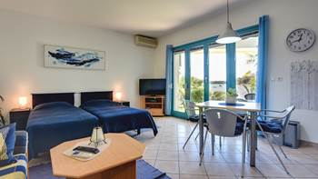 Studio apartment in Medulin with terrace, 50 m from the sea, WiFi, 2