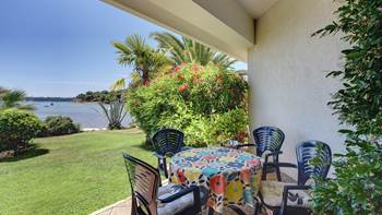 Studio apartment in Medulin with terrace, 50 m from the sea, WiFi, 1