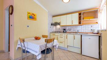 Nice and simple apartment with balcony for three,air conditioning, 6