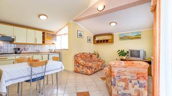 Nice and simple apartment with balcony for three,air conditioning, 2