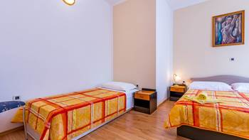 Nice and simple apartment with balcony for three,air conditioning, 7