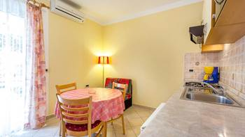 Ground floor apartment with private terrace for 3 persons, WiFi, 1