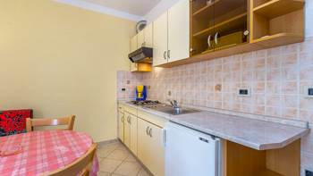 Ground floor apartment with private terrace for 3 persons, WiFi, 5