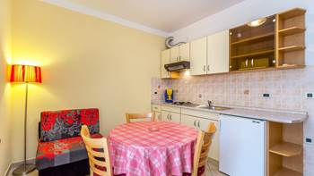 Ground floor apartment with private terrace for 3 persons, WiFi, 2