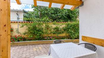 Ground floor apartment with private terrace for 3 persons, WiFi, 8