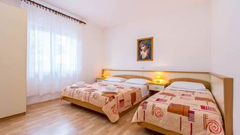 Large apartment for six persons and two bedrooms, terrace, WiFi, 8
