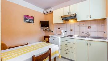 Small apartment with terrace for three, bedroom, WiFi, parking, 3