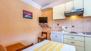 Small apartment with terrace for three, bedroom, WiFi, parking, 1