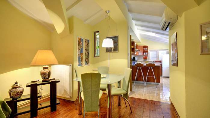 Elegant and comfy 2 bedroom apartment in Medulin with balcony, 2