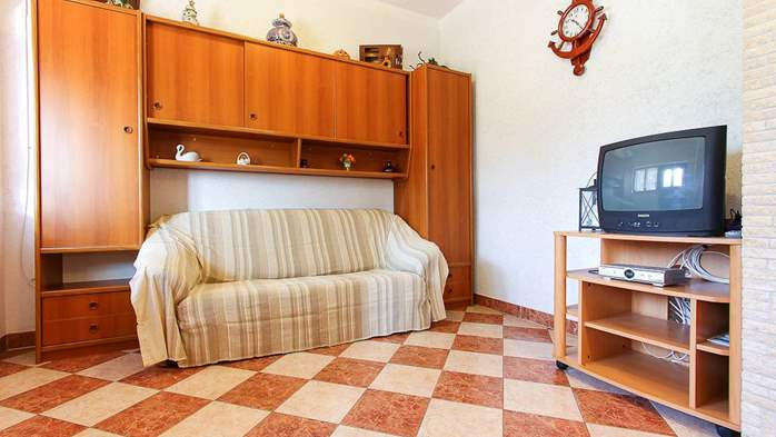 Apartment with double bed and private terrace for 4 persons, 3