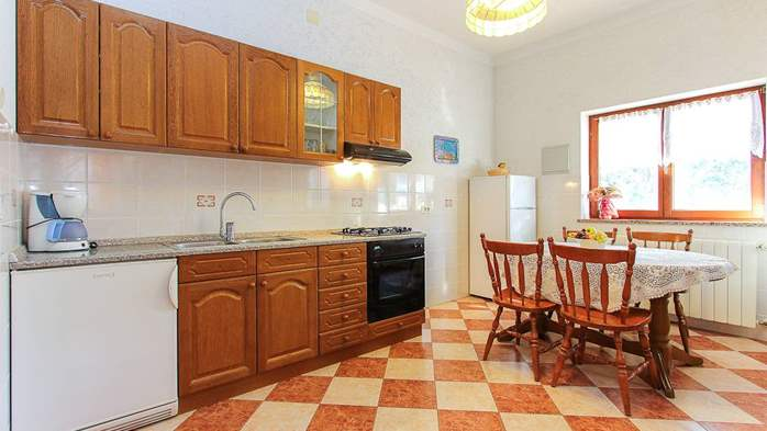 Apartment with double bed and private terrace for 4 persons, 4