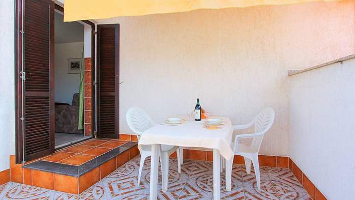 Studio apartment for two with private balcony, 5