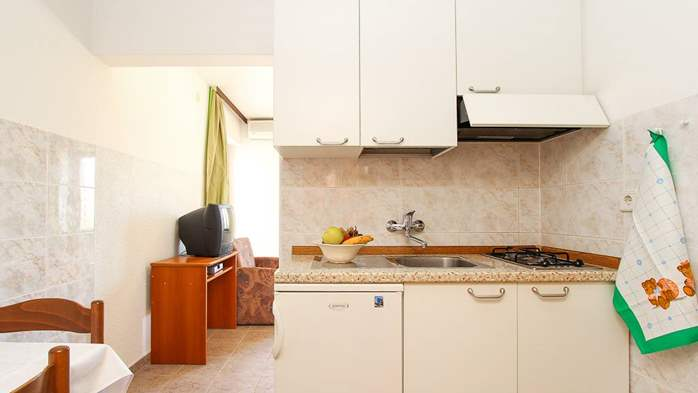 Studio apartment for two with private balcony, 3