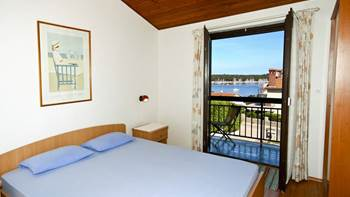 Apartment with sea view with two bedrooms for four persons, 1