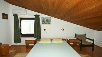 Room for two persons in the attic, bathroom with shower, parking, 4