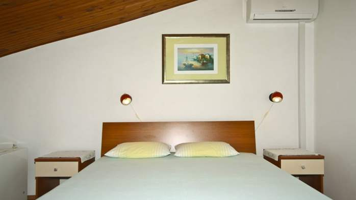 Arranged room with a bathroom in the attic with a sea view, 8