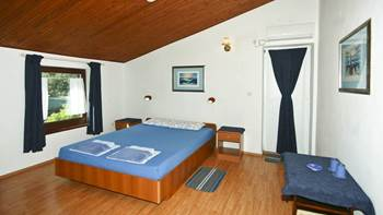 Lovely room with private balcony and sea view for two, parking, 1