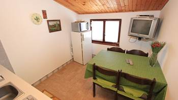Small apartment near the sea with balcony and sea view, 5