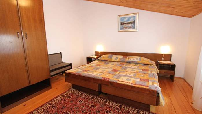 Two bedroom apartment, 100 m from the sea, 4 persons, SAT-TV, 3