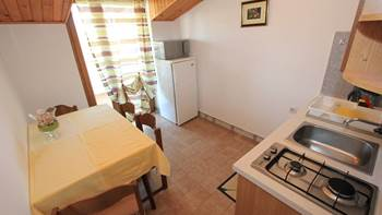 Two bedroom apartment, 100 m from the sea, 4 persons, SAT-TV, 1